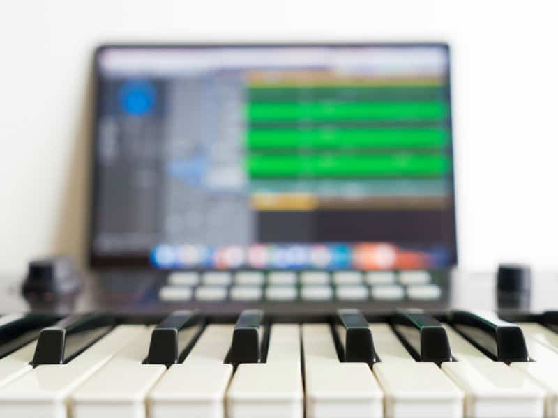 MIDI Connection | How to Connect a MIDI Keyboard to a Computer