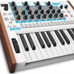 Akai Timbre Wolf 25 Key Synthesizer Keyboard