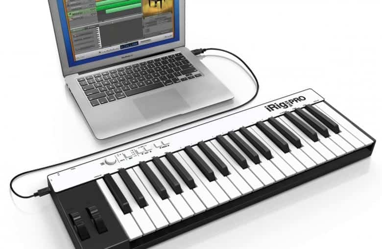 MIDI Keyboard With Laptop